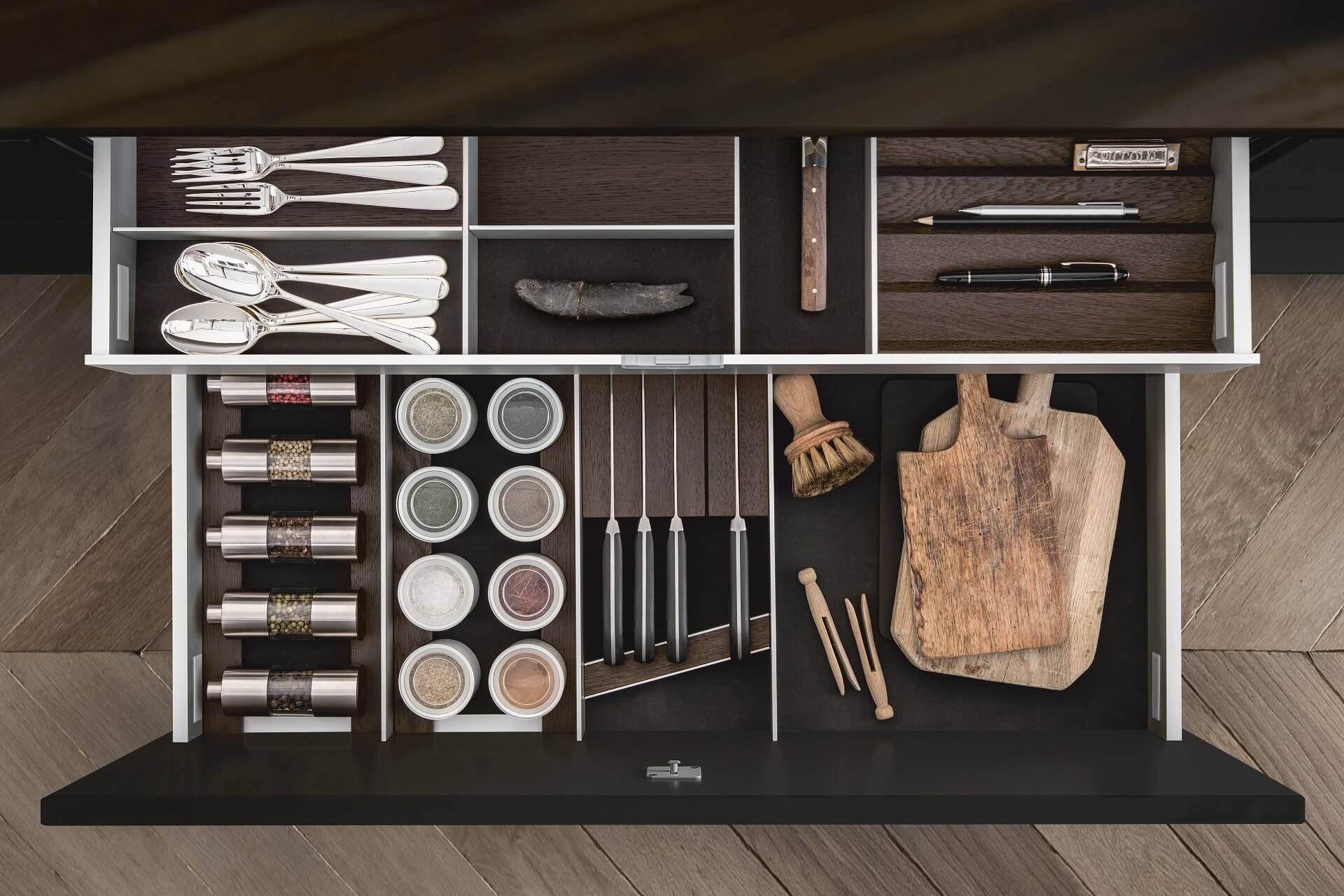 siematic-interior-drawers-pullouts-aluminum-058